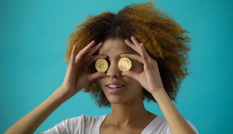 Bitcoin-Muenze-vor-den-Augen
