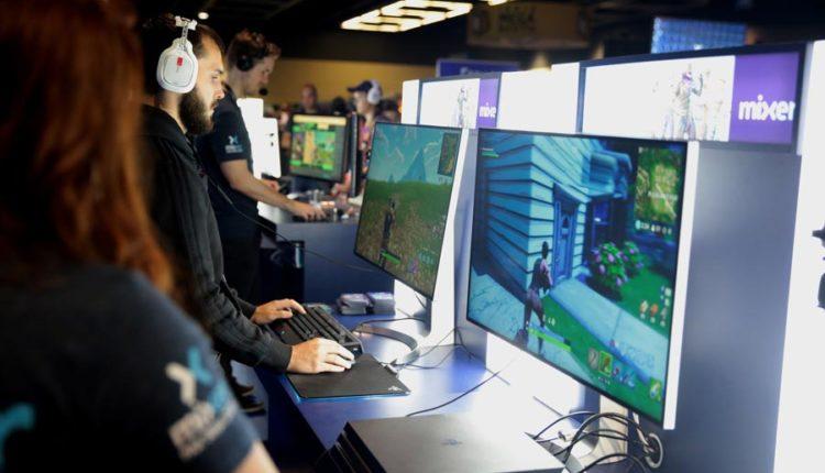 Gamer-spielen-Fortnite