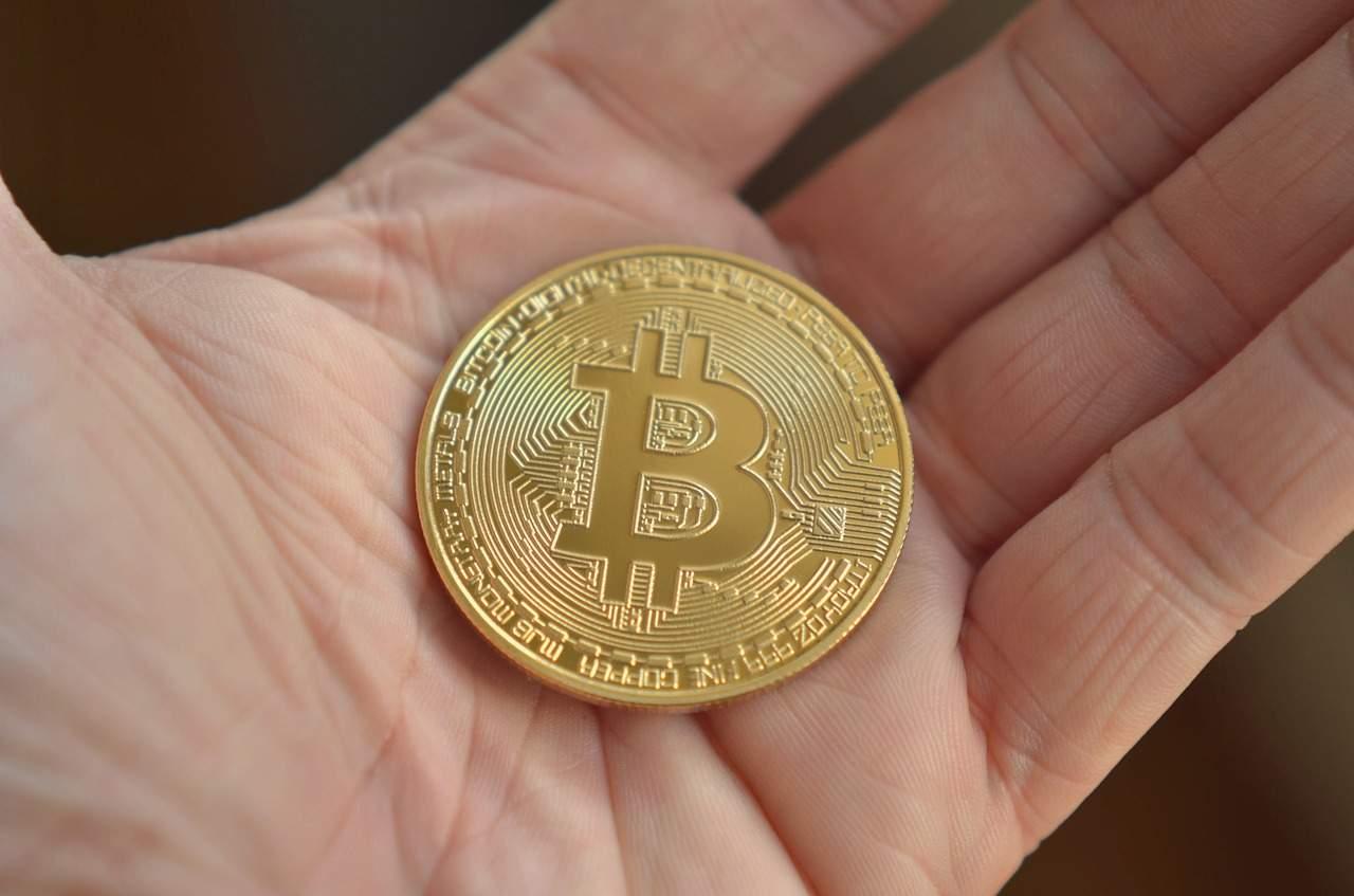 bitcoin je)