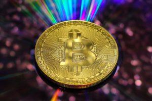 Wirtschaftswissenschaftler- Gold zeigt, Bitcoin könnte weiter steigen
