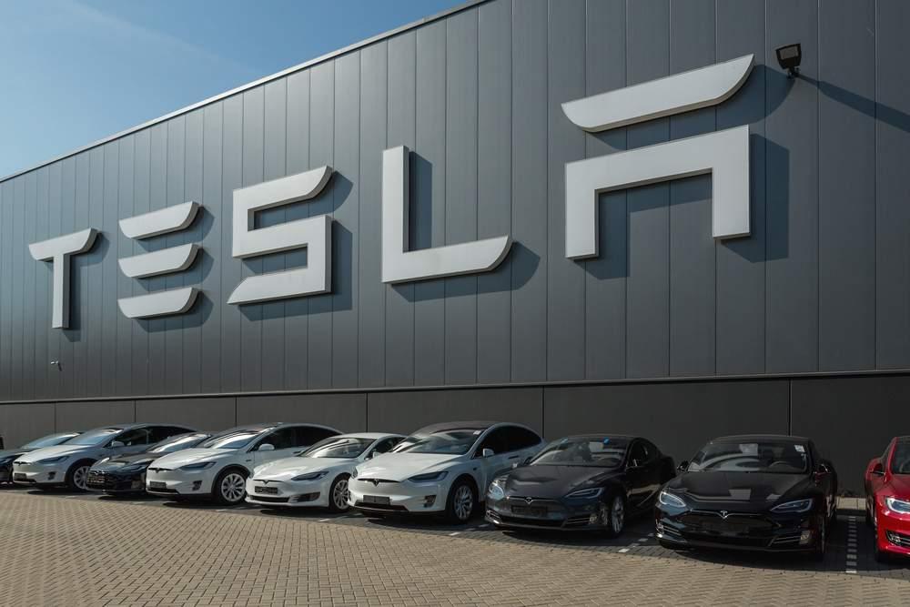 Tesla - Bitcoin Profit