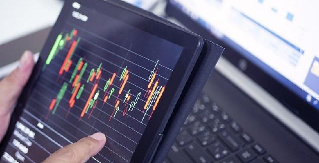 """Enormes Risiko"" Bitcoin Trader warnt Absturz 7.300 $"