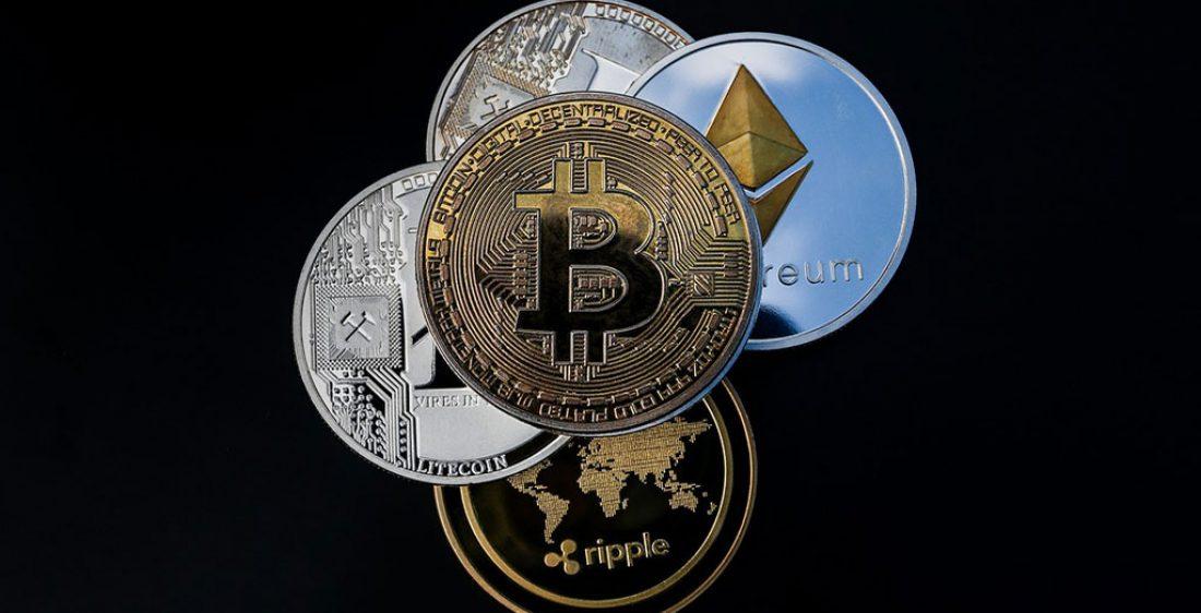 Bitcoin-Ethereum-Litecoin-Ripple-Muenze