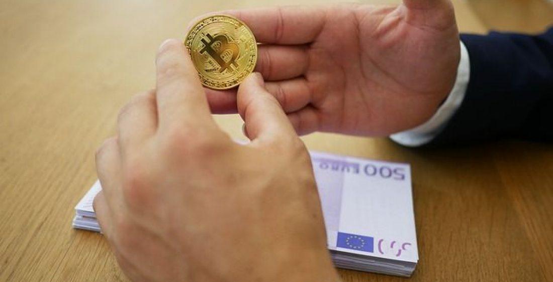 Bullisch mehr Menschen besitzen Kryptowährungen